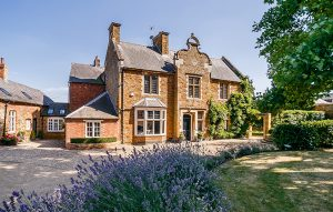 Period village house in easy walking distance of popular day prep school