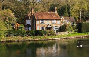 Romantic but affordable cottages within an hour of London