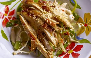 Crisp-and-hot chicken salad with sesame