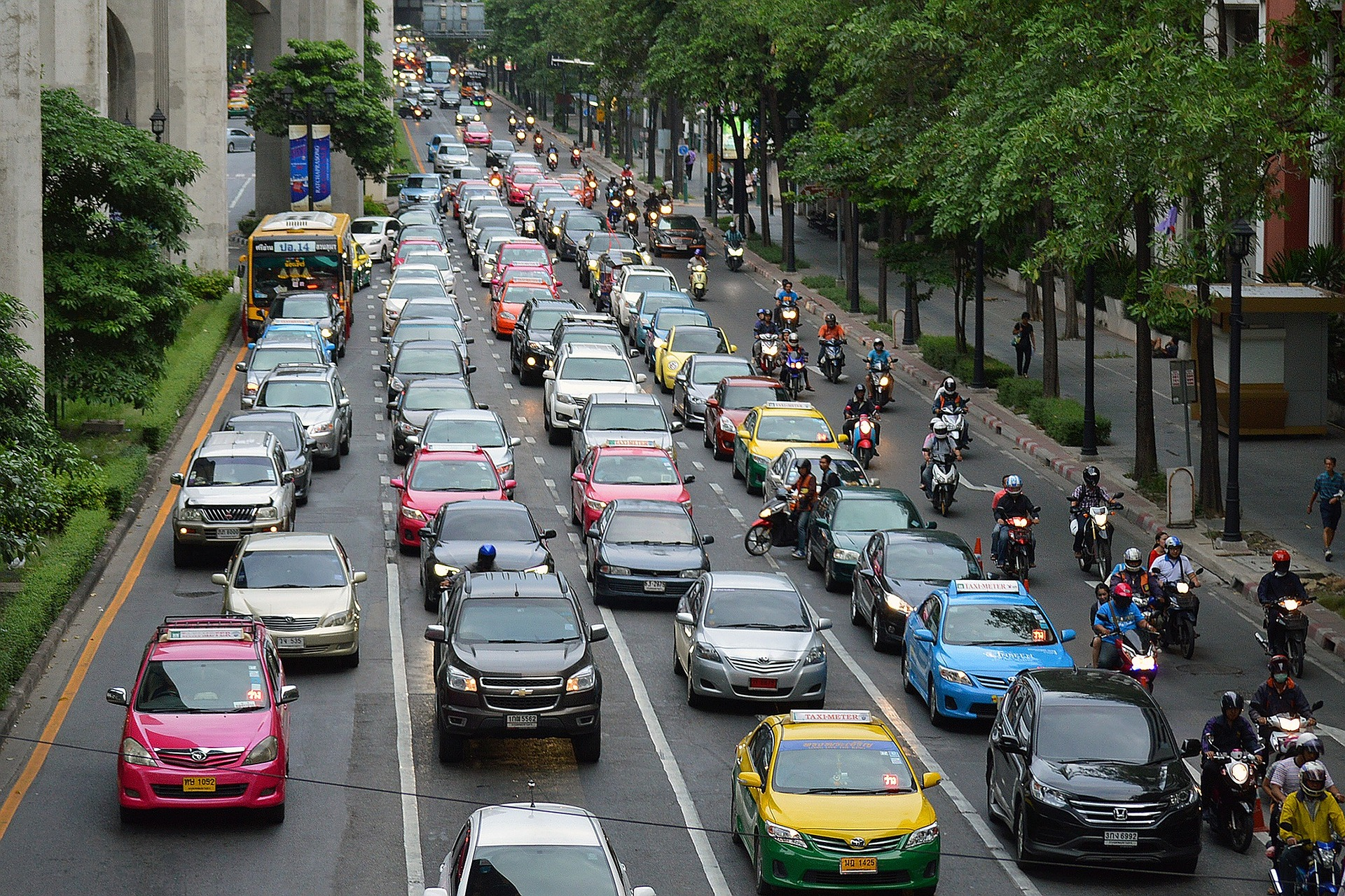 The 10 minute peak for car accidents during evening rush hour